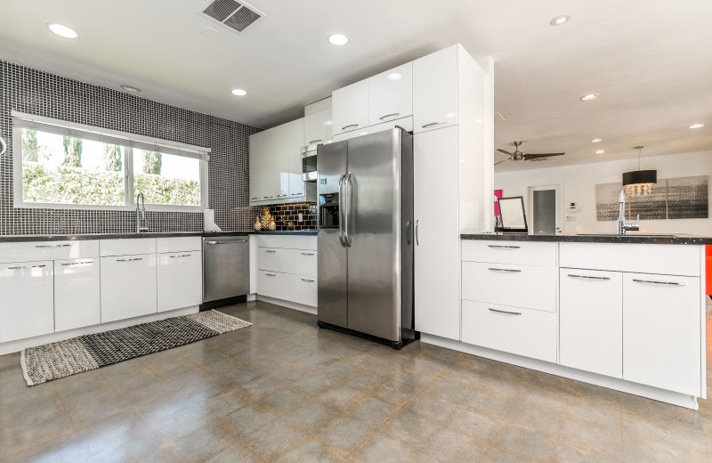 Rental kitchen at Altez Vacations - Palm Springs.