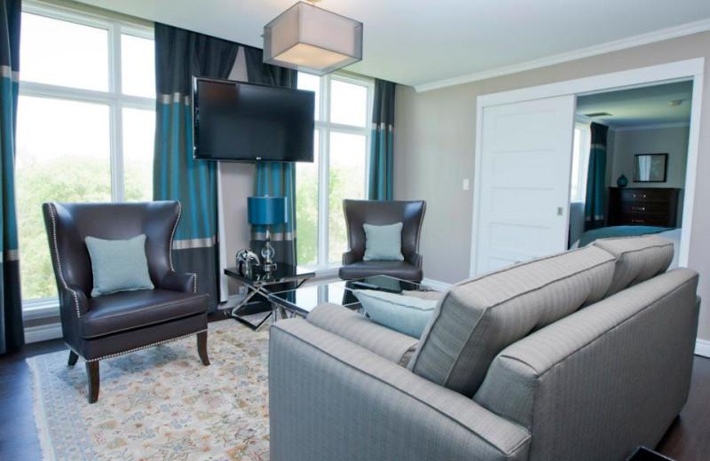 Guest room at Elm Hurst Inn & Spa.