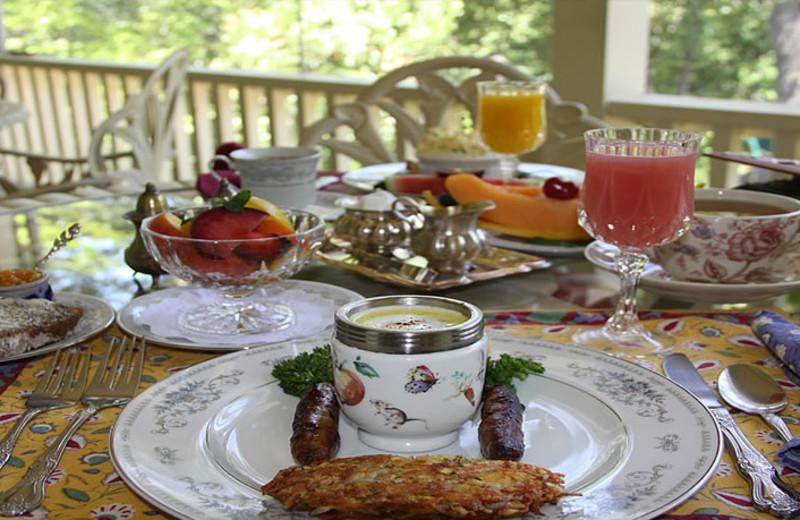 Breakfast at Barretta Gardens Inn.