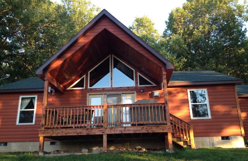 Cottage exterior at Riverwood Resort.