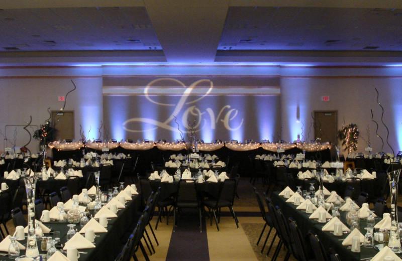 Weddings at Country Inn & Suites - Fergus Falls.