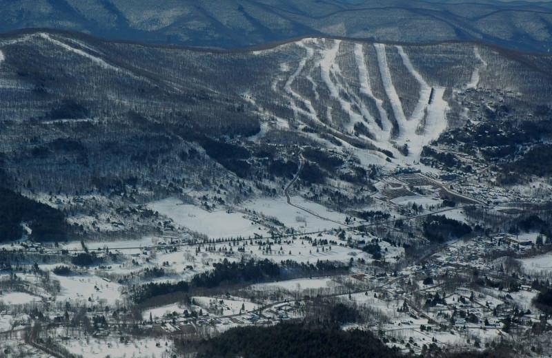 Ski near Albergo Allegria.