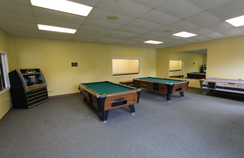 Game room at The Lodge at Lincoln Station.