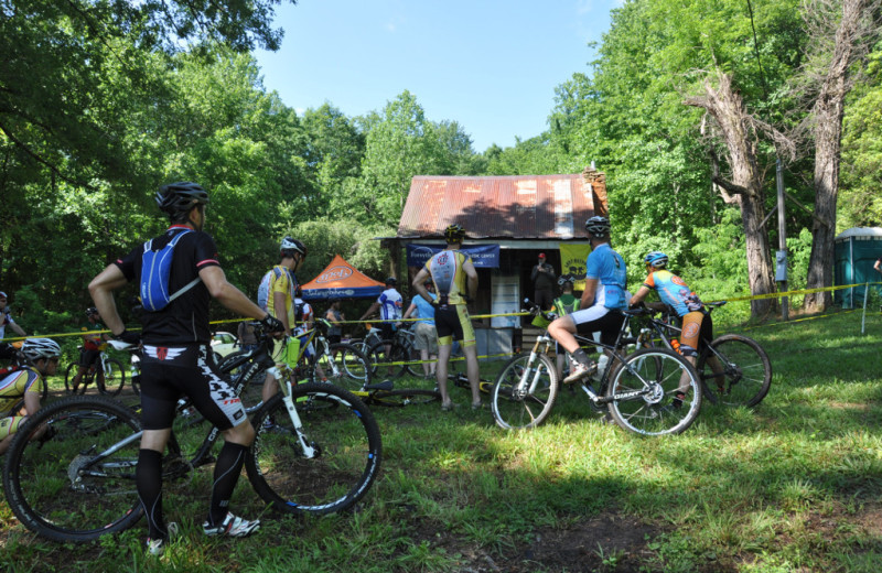 Bike group at Singletree Gun & Plough.