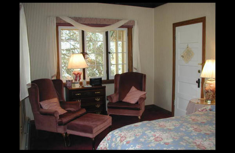 Guest room at Meadow Creek Lodge and Event Center.