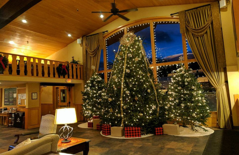 Holiday decor at Golden Arrow Lakeside Resort.