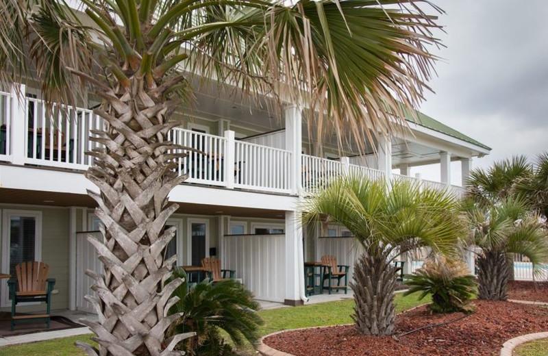 Exterior view of Islander Hotel & Resort.