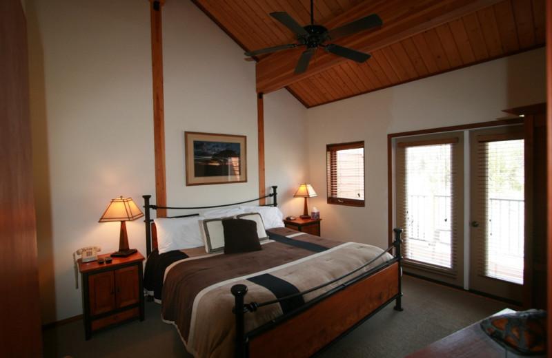 Guest bedroom at Bear Creek Lodge.