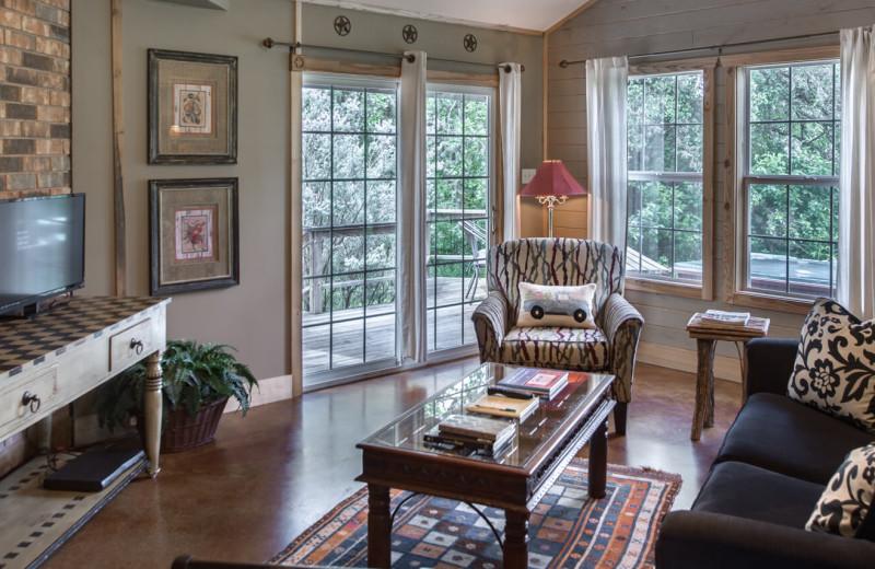 Cabin living room at Barons Creekside.