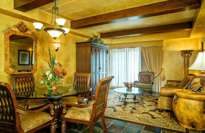 Guest suite at Chateau on the Lake.