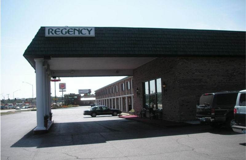 Exterior view of Regency Inn and Suites.