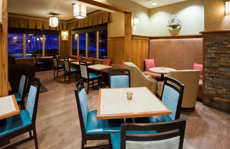Dining room at Hampton Inn Duluth Canal Park.
