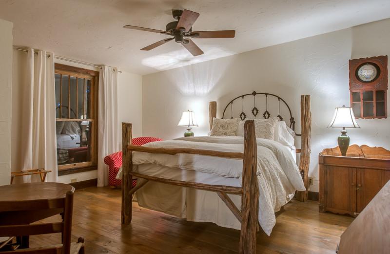 Guest room at Bierschwale Estate.