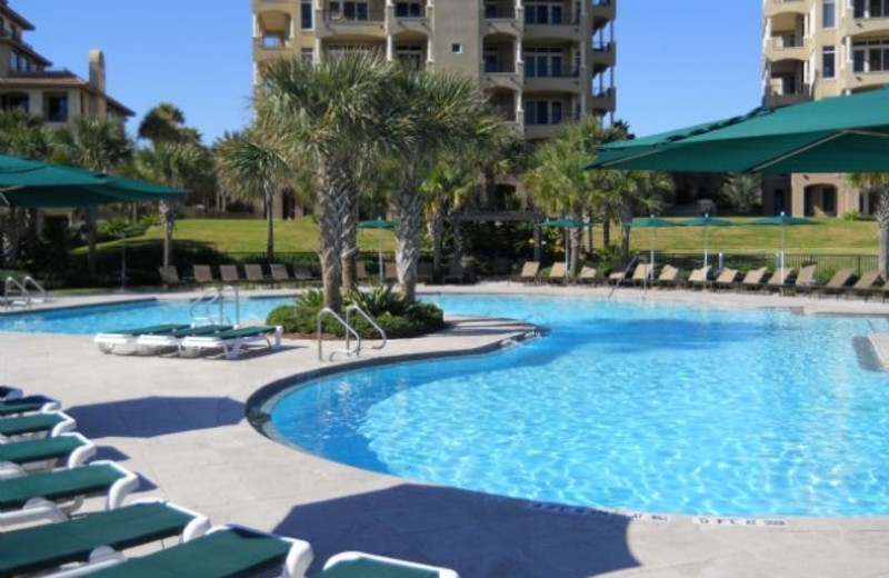 Rental outdoor pool at Amelia Island Rentals, Inc.