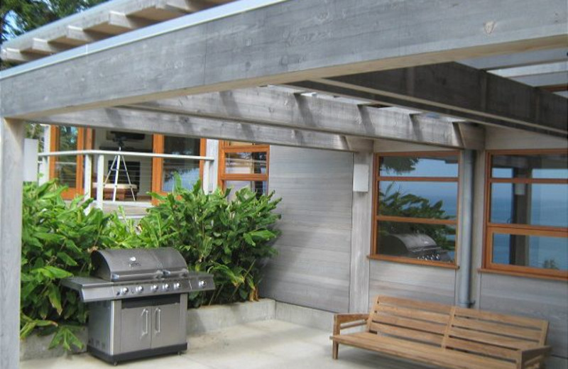 Patio area at Redwood Coast Vacation Rentals.