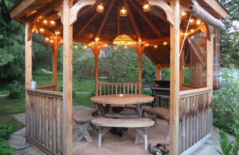 Gazebo at Jasmer's Rainier Cabins & Fireplace Rooms.