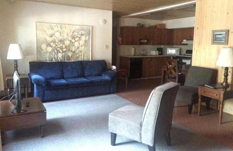 Guest living room at Thomsonite Beach Inn & Suites.
