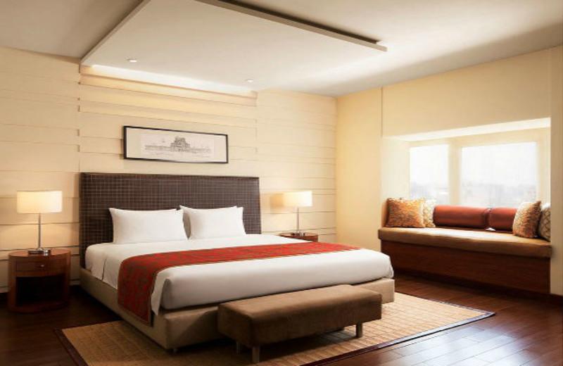 Guest room at Taj Coromandel.