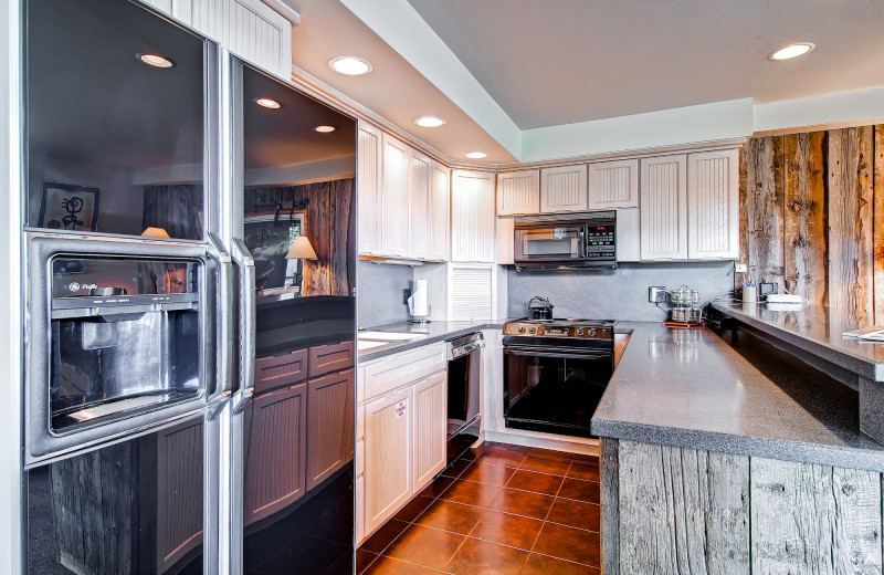 Rental kitchen at Shadowbrook Property Management.