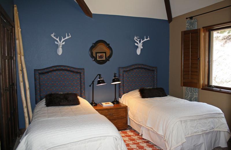 Guest bedroom at Cascade Village Condominiums.
