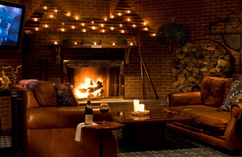 Lounge area at Doral Arrowwood.