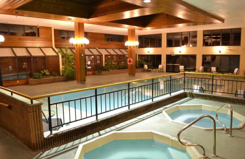 Indoor pool at Holiday Inn Rutland/Killington.