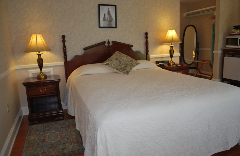 Guest room at Cedar Crest Inn.