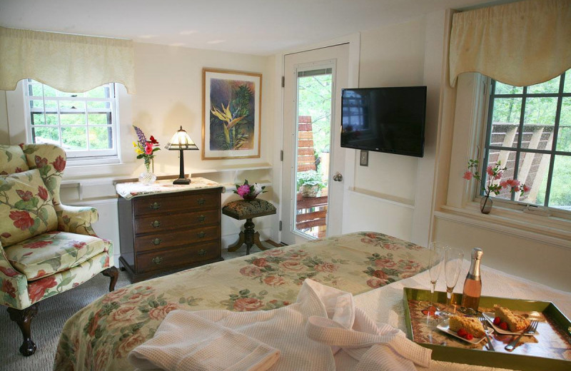 Guest room at Morning Glory Inn.