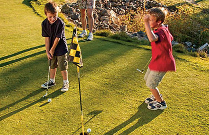 Kid's Golfing at Eagle Crest Resort