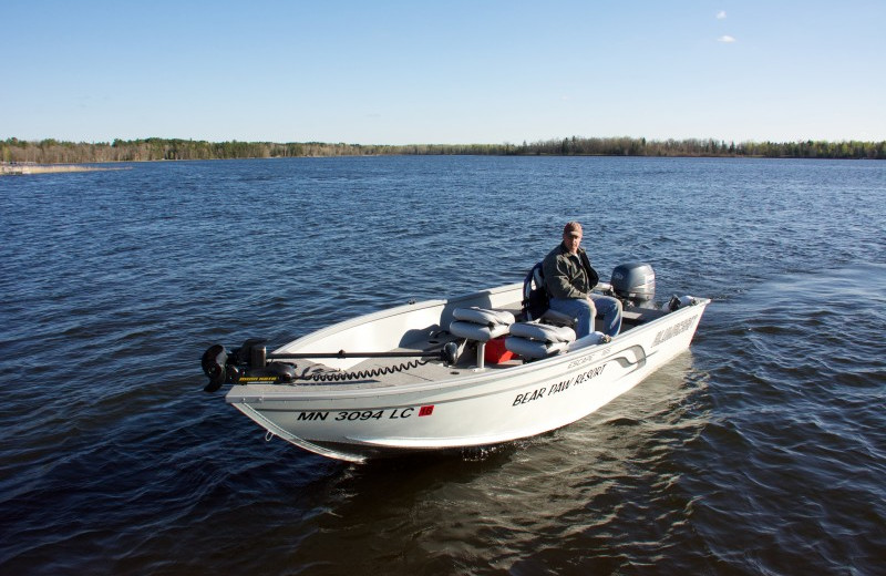 Enjoy this great rental package: 16ft Alumacraft Escape Deluxe with 40 hp tiller Yamaha 4 stroke electric start.