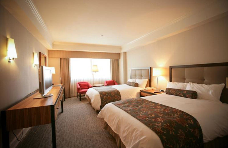 Guest room at Oxford Palace Hotel and Galleria.
