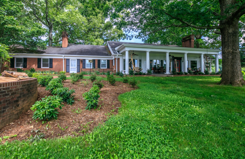 The Magnolia Manor