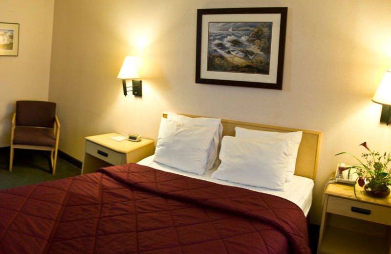 Guest room at The Garibaldi House Inn & Suites.
