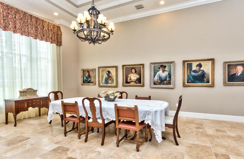 The Knickerbocker Vacation Retreat - Naples Florida Vacation Homes
