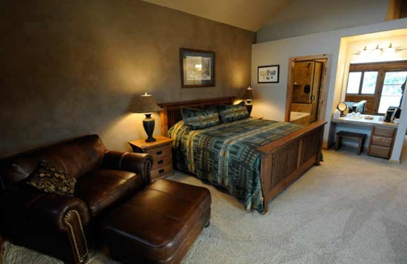 Guest suite at The White River Inn.