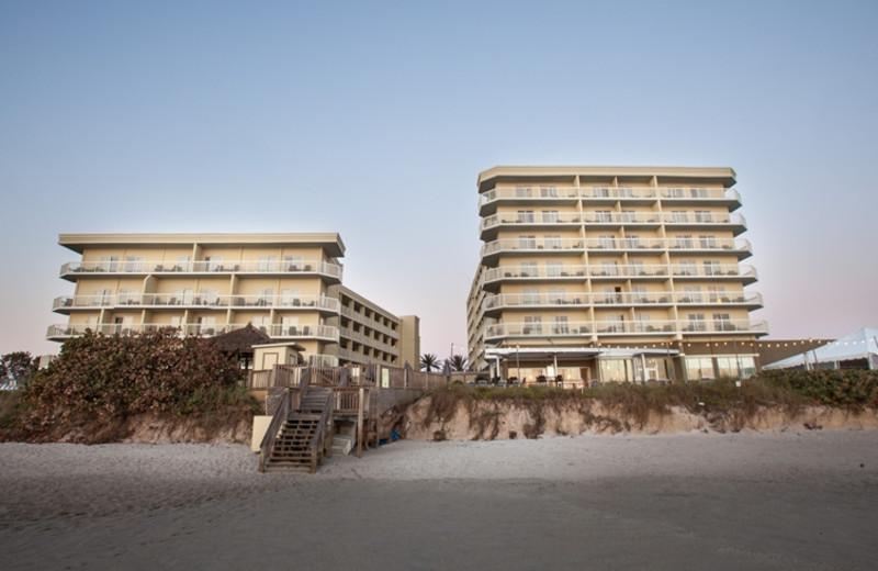 Exterior view of Crowne Plaza Melbourne Oceanfront Resort.