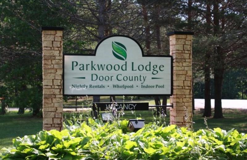 Parkwood Lodge sign.