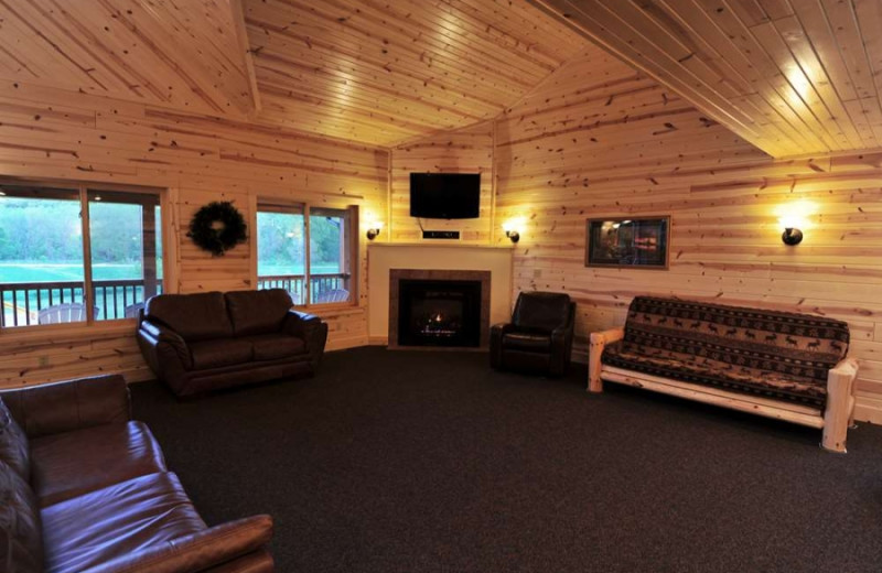Living room at Cedar Valley Resort.