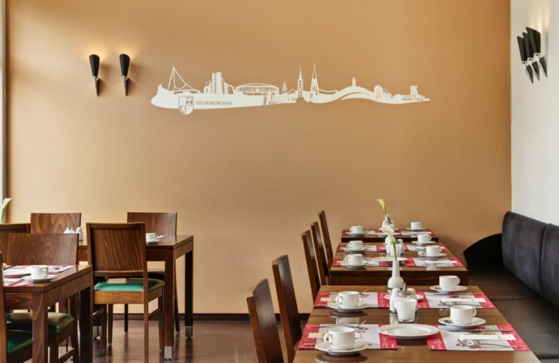Dining room at Inter City Hotel Gelsenkirchen.