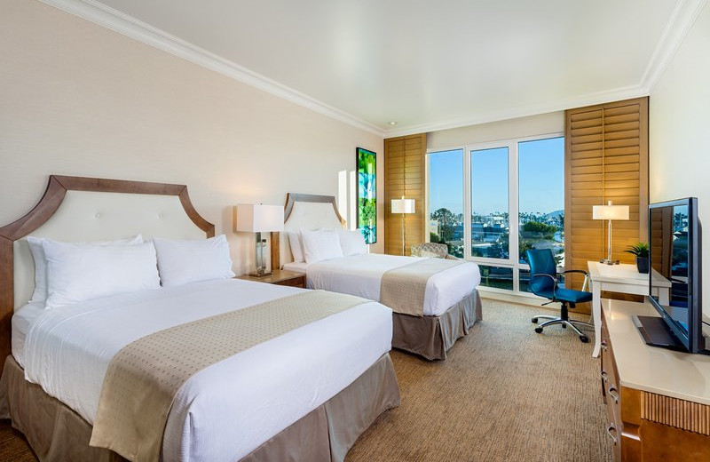 Guest room at Holiday Inn San Diego - Bayside.