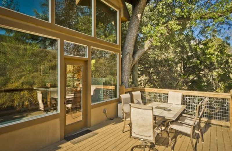 Treehouse patio at River Road Treehouses.