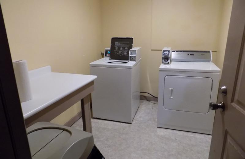 Laundry room at Chautauqua Lodge.