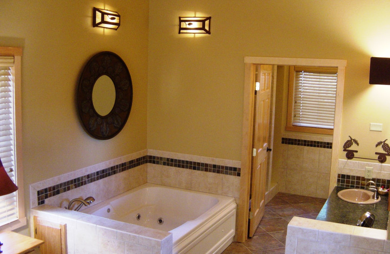 Cabin bathroom at River Point Resort & Outfitting Co.