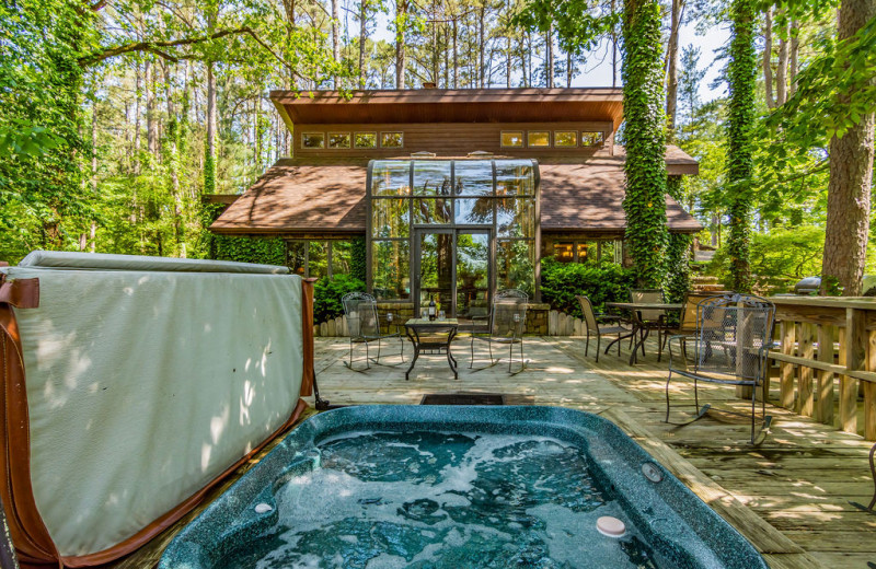 Rental hot tub at Amazing Branson Cabin Rentals - RentBranson.