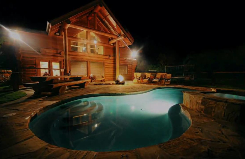 Outdoor pool at Log Country Cove.