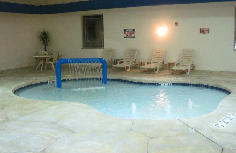 Indoor Pool at the Lake Geneva Comfort Suites