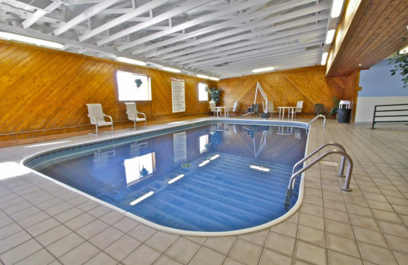 Indoor pool at Governor's Inn.