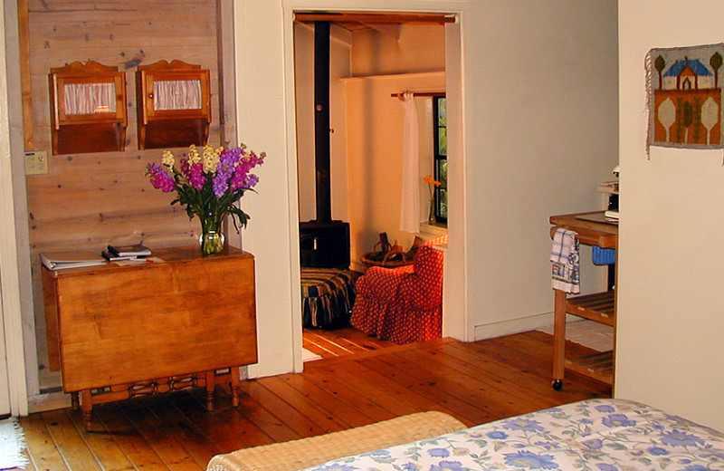 Guest room at Holly Tree Inn & Cottages.