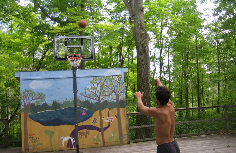 Basketball court at Bob's Lake Cottages.