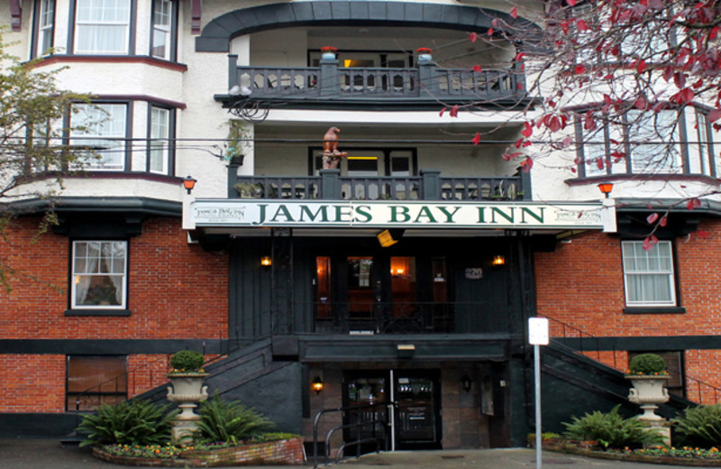 Exterior view of James Bay Inn Hotel, Suites & Cottage.